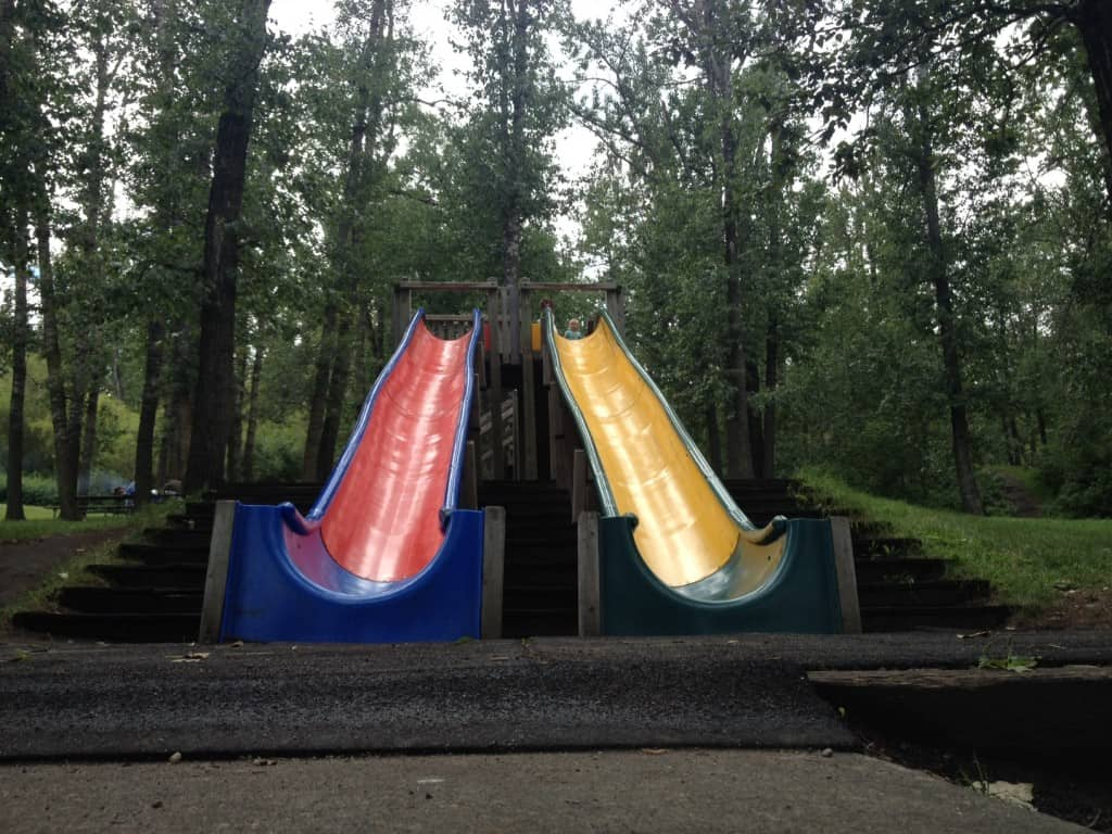 Grizzly-Bear-Lodge-Park-Edmonton-1024x768