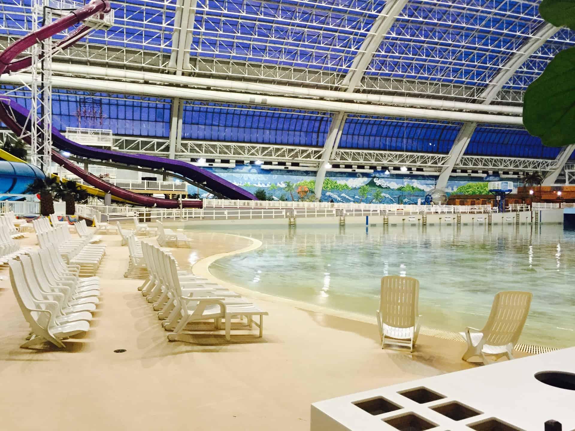 Try This West Edmonton Mall Surf Lessons And Surf Club Yeg Yegkids Raising Edmonton