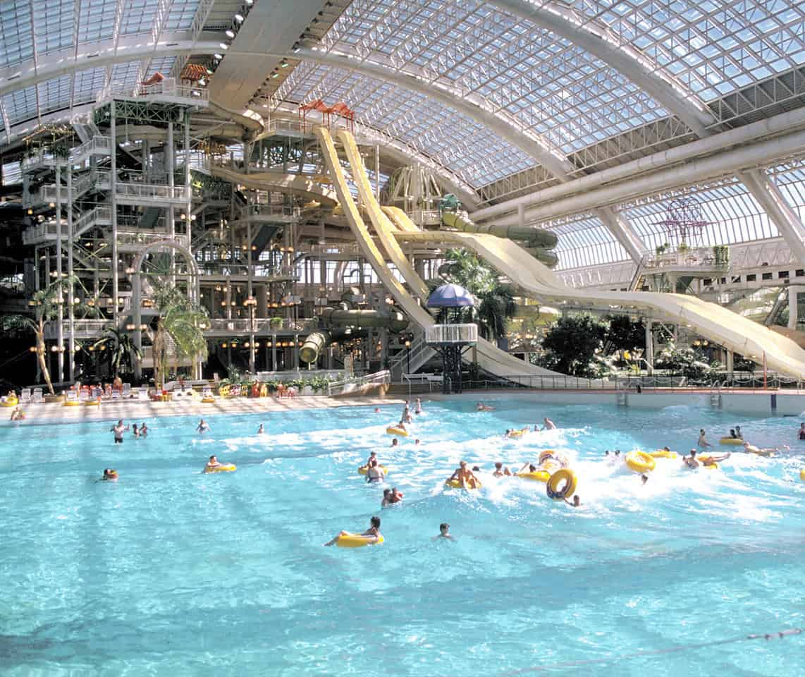 Brunch buffet and waterslides at world waterpark on 9 4 - Indoor swimming pool berlin ...