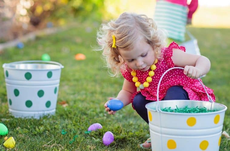 Original_Kim-Stoegbauer-Easter-Egg-Decorating-Party-Egg-Hunt-Girl4_s4x3.jpg.rend.hgtvcom.1280.960