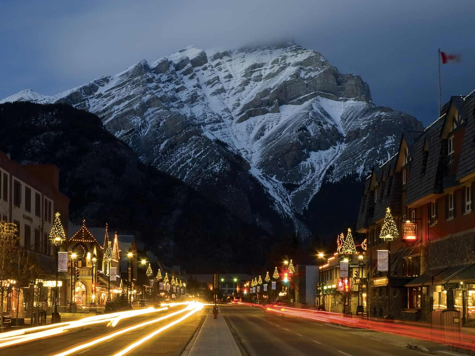 5 Things to do When You're in Banff for the Santa Clause Parade 2016