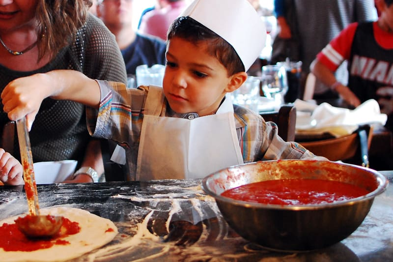 Free Kids Tour With Chef S Apron And Pizza Making At Nitza