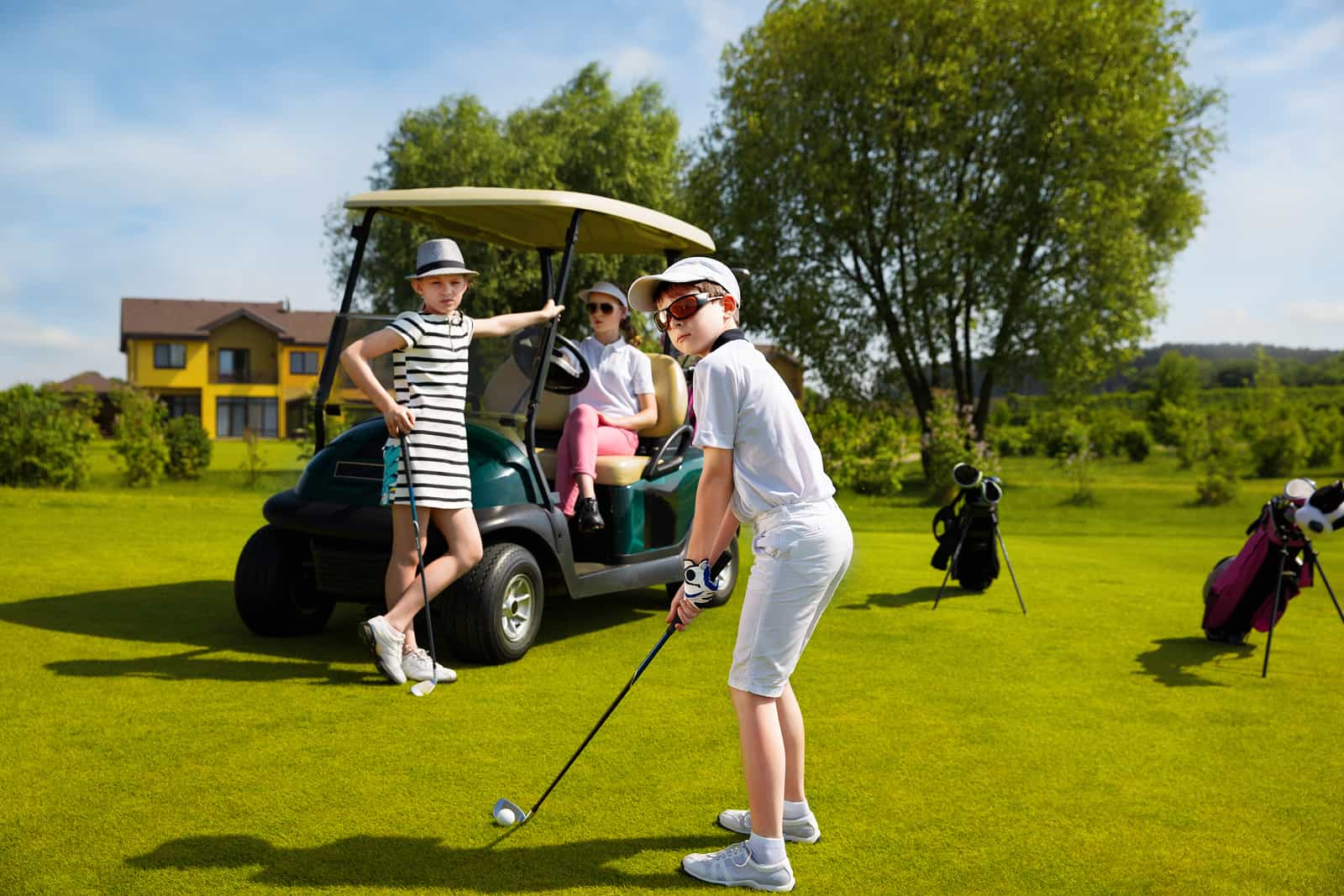 Kids Can Golf at These Golf Courses for FREE with an Adult This Summer