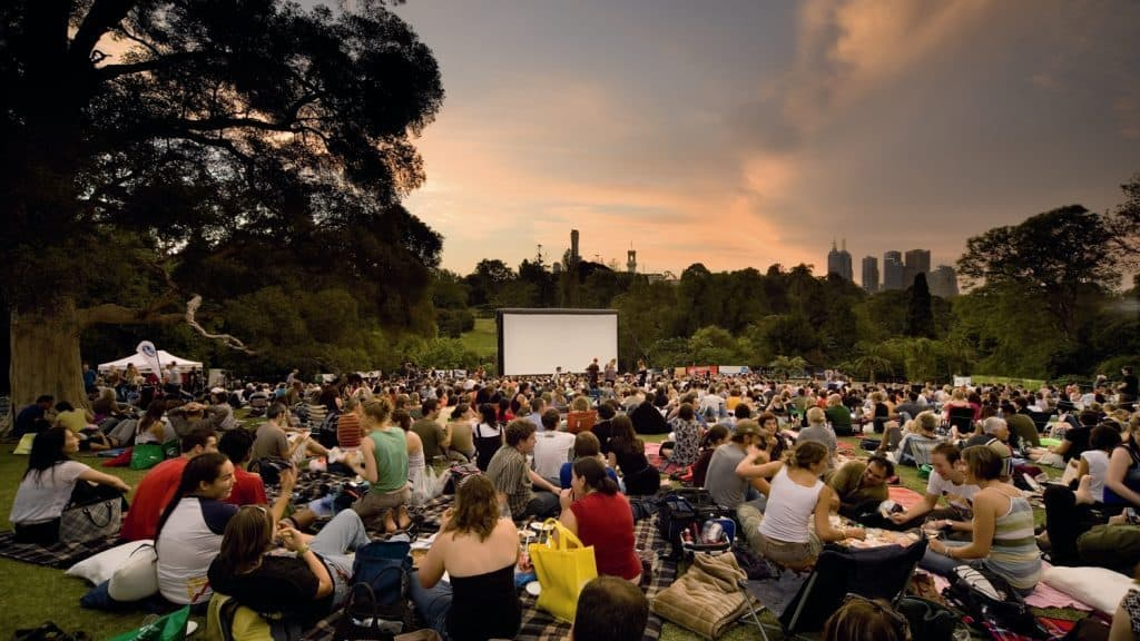 Bundle Up and Watch the Lion King and Jurassic World Outdoors 10/13