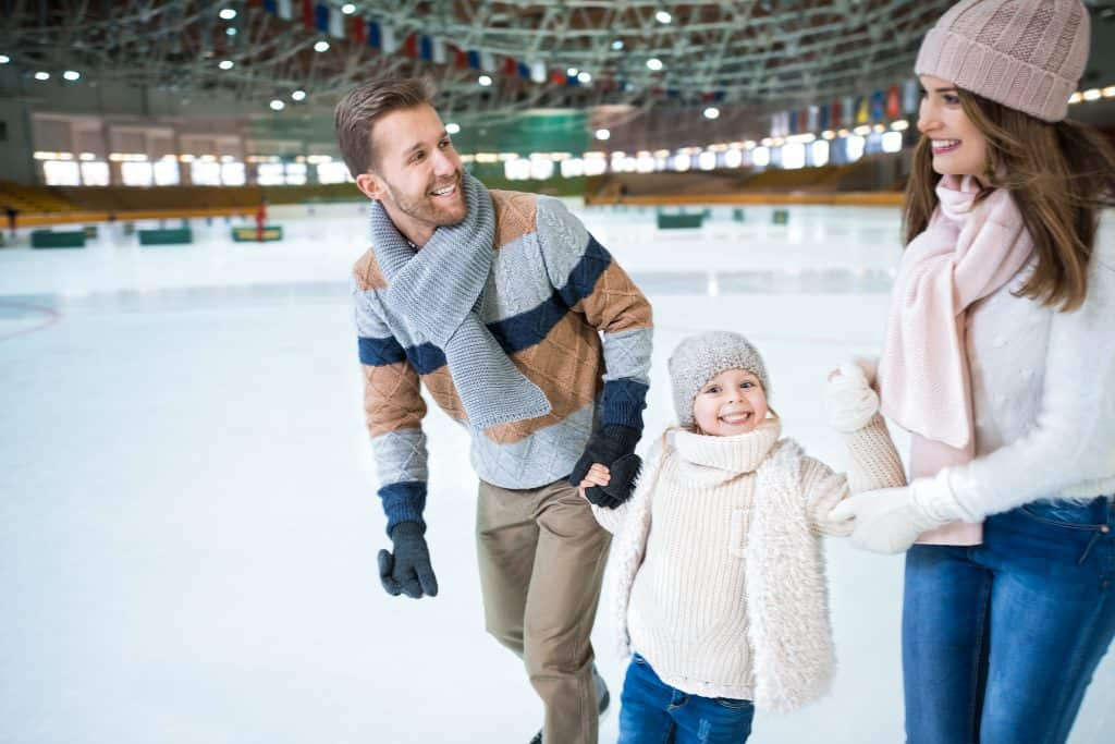 8 Places You Can Skate (Indoors) and Swim for FREE this month in Sherwood Park
