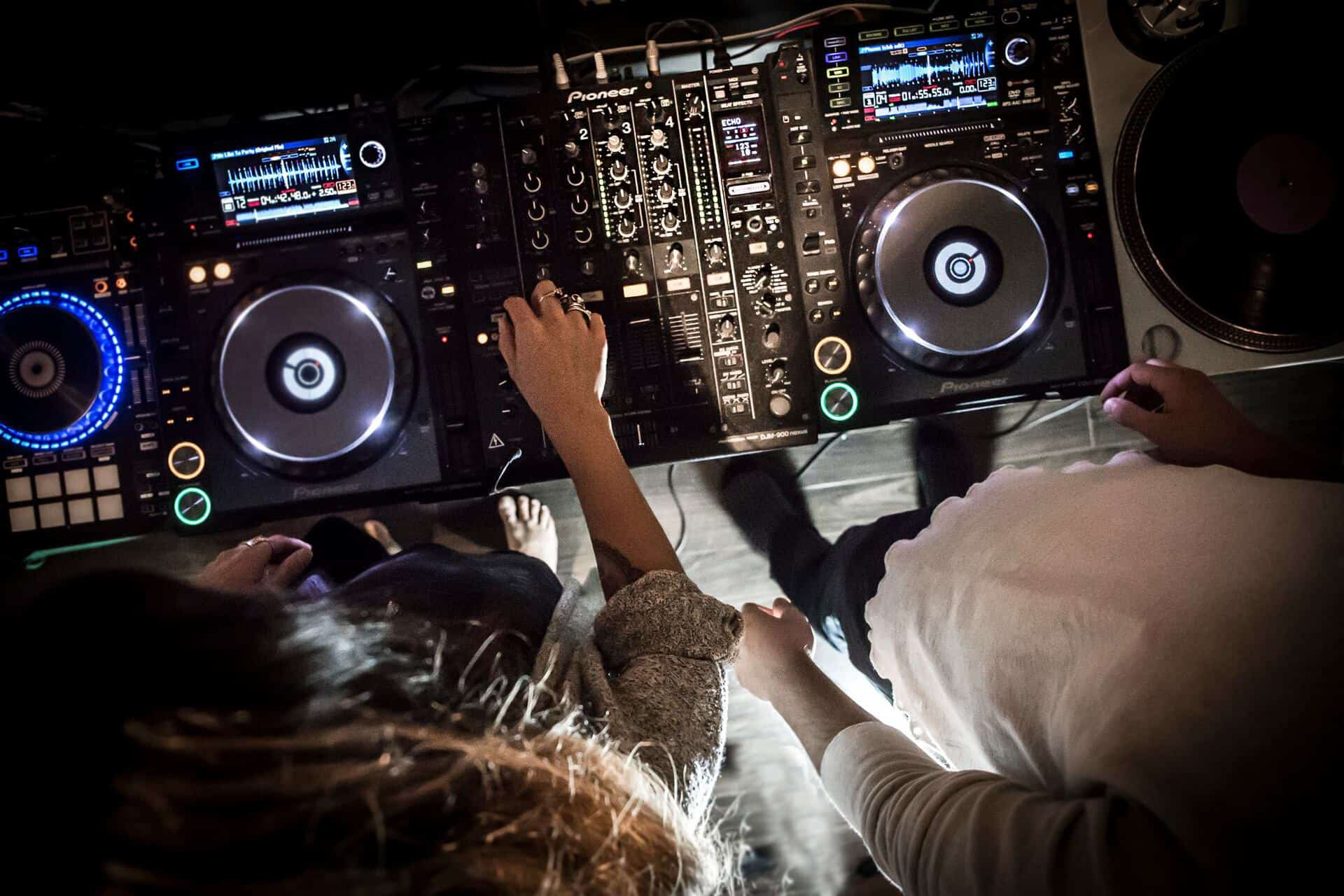 Join a Rock Band, or Learn to DJ – Cool Fall Musical Programs for Edmonton Kids
