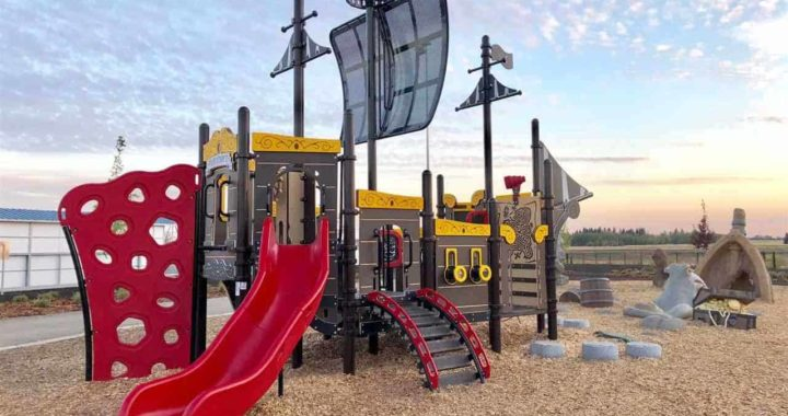 10 Best Edmonton Playgrounds to Visit with Your Kids this Summer